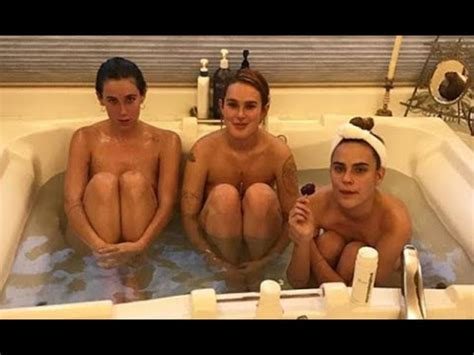 Sisters Rumer, Scout and Tallulah Willis enjoy group bath