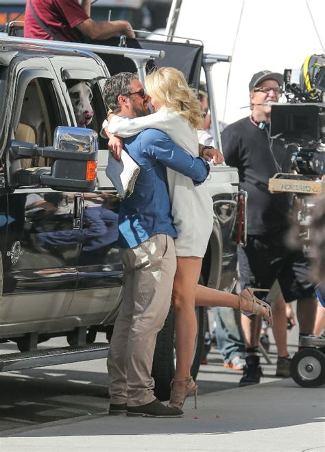 Cameron Diaz is pregnant and kissing on the set of The