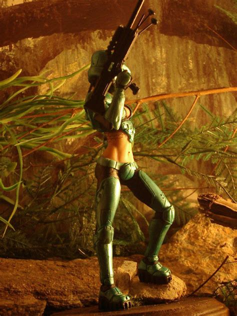 News: Female Master Chief Sold For Good Cause   MegaGames