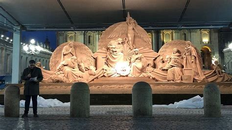"""""""Sand Nativity"""" and Christmas tree of St"""