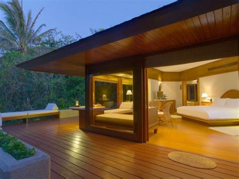 Amanpulo Resort in the Philippines Offers a Life-time