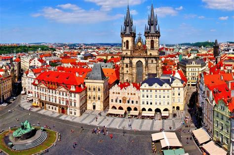 Prague Travel Guide - Expert Picks for your Vacation